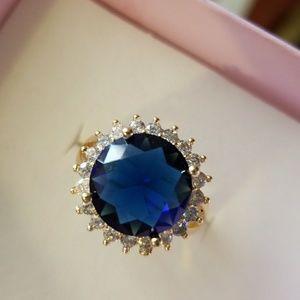 Jewelry - Women's Ring 6.5 Ctw Blue & White Sapphire